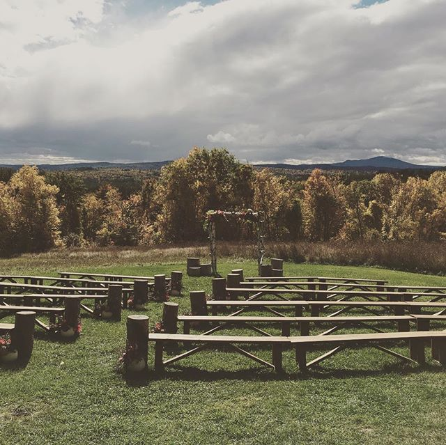 Weddings @longlookfarmweddings in the fall are my fave. Just add cider donuts and your guests will never leave!