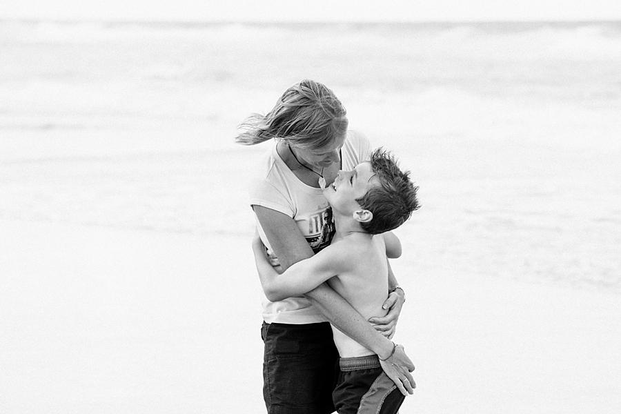 Family-Photographer-Gold-Coast-Beach-Hayley_0507.jpg