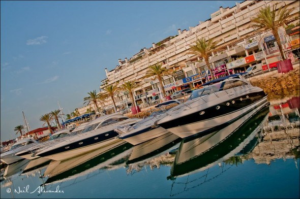 V ilamoura harbour - like a Fairline showroom (Click for larger)