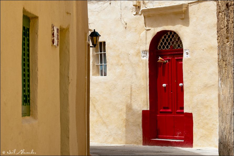 B ack streets of Zejtun, Malta (Click for larger)