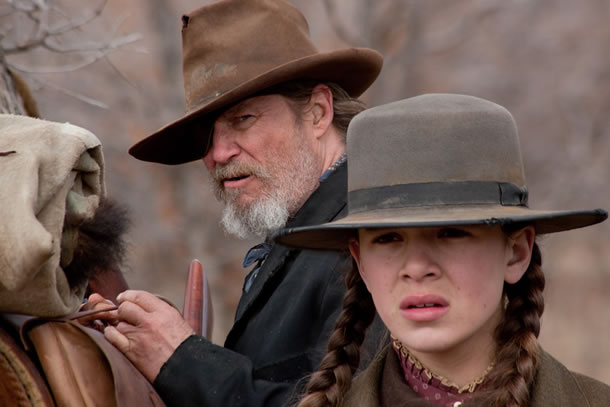 via ropeofsilicon.com First official photo from the Coen brothers' remake of the 1969 classic, which won John Wayne an Oscar for Best Actor. Jeff Bridges takes over the role of irascible US marshal Rooster Cogburn, pictured here with Hailee Steinfeld as Mattie.