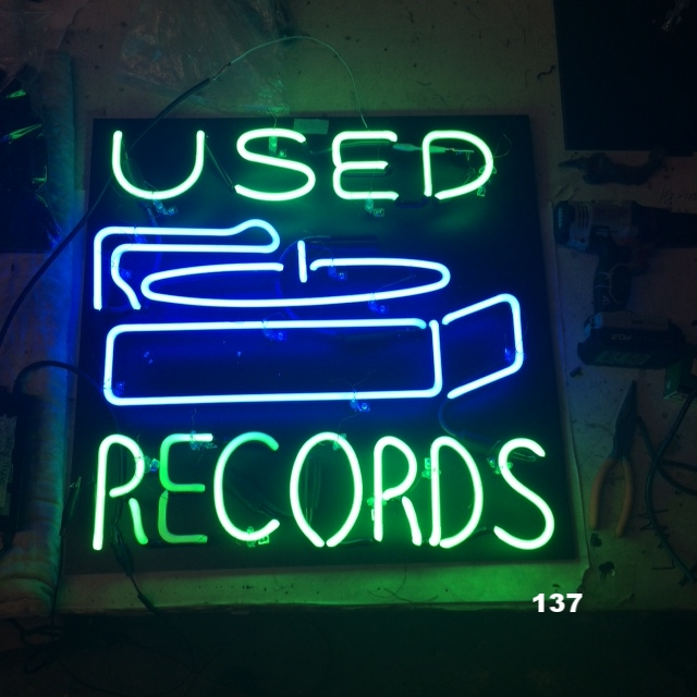 USED RECORDS W/ PLAYER