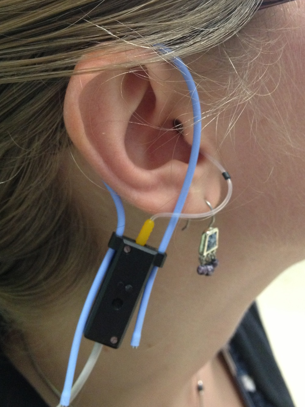 Real-ear microphone inserted into ear canal