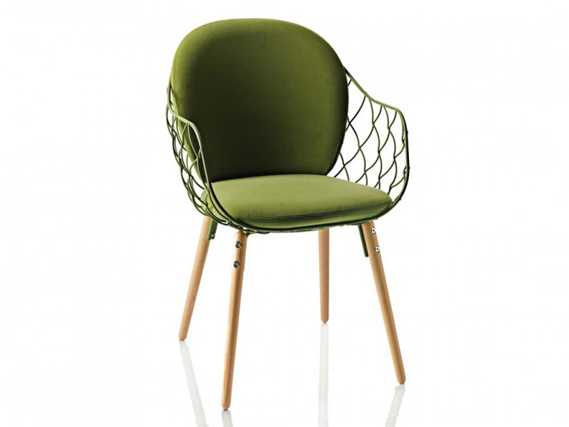 jaime-hayon-pina-chair-for-magis-designboom-01.jpg
