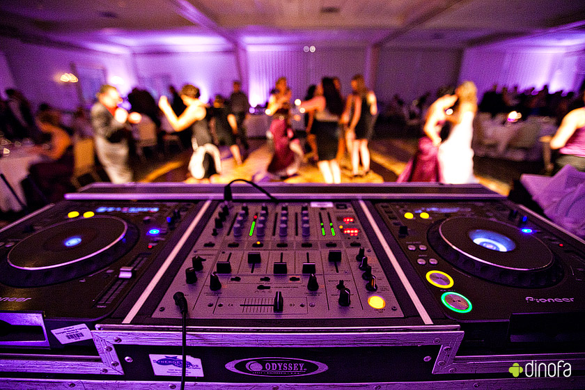 wedding djs wanted.jpg