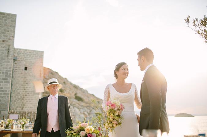 CHIC & STYLISH - gorgeous wedding in hydra
