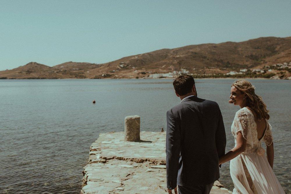 CHIC & STYLISH - Bright gorgeous wedding in Tinos