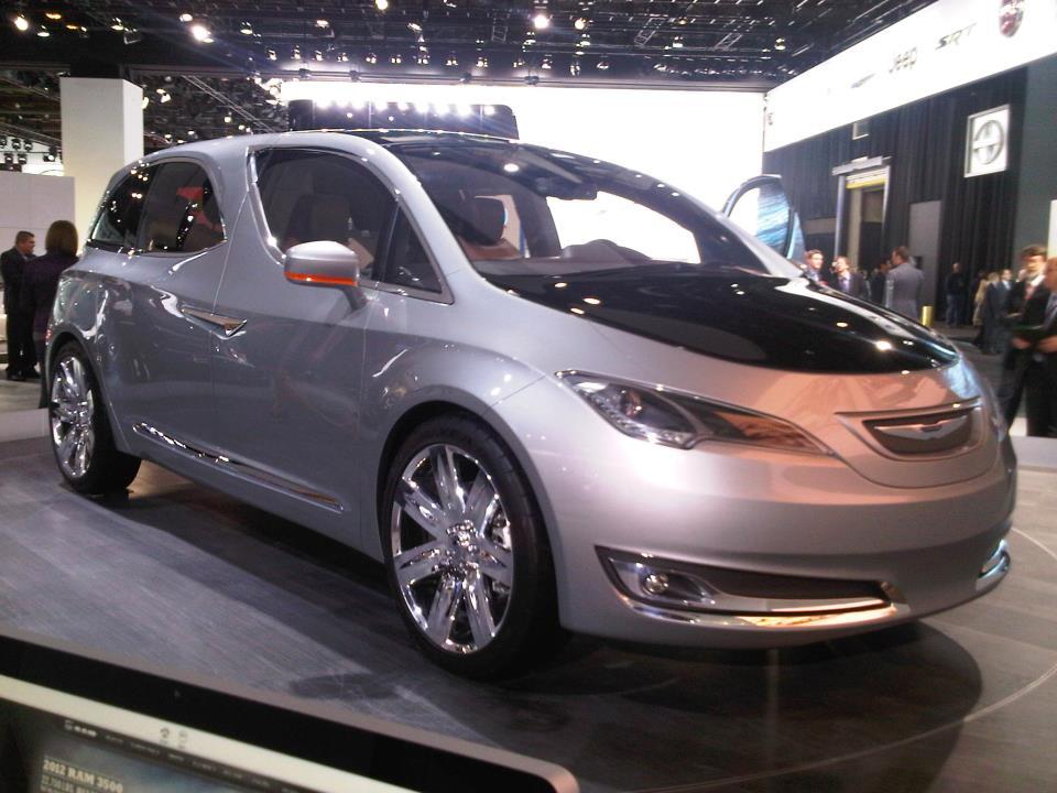 Chrysler 700 Concept 2b.jpeg