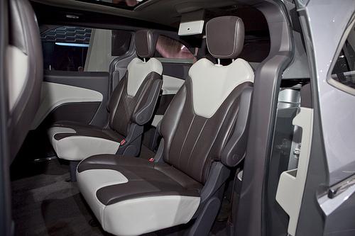 Chrysler 700 Concept 6d.jpeg
