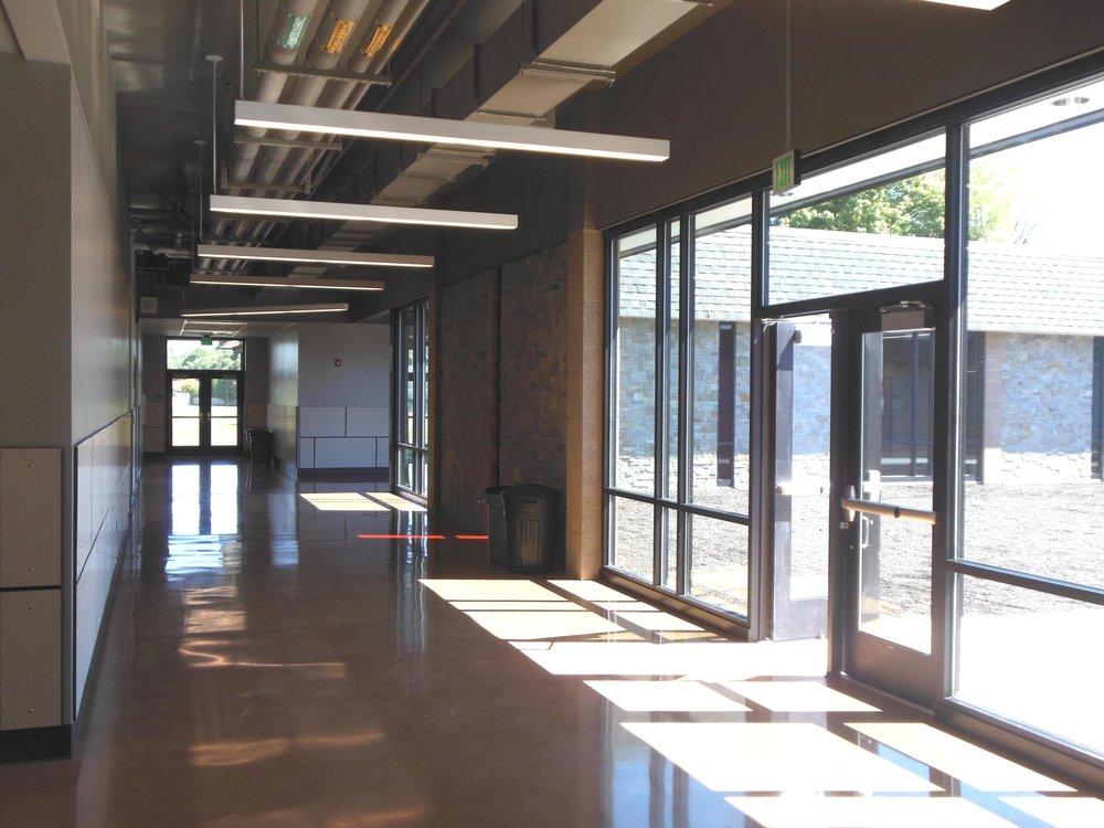 Hall-05.jpg