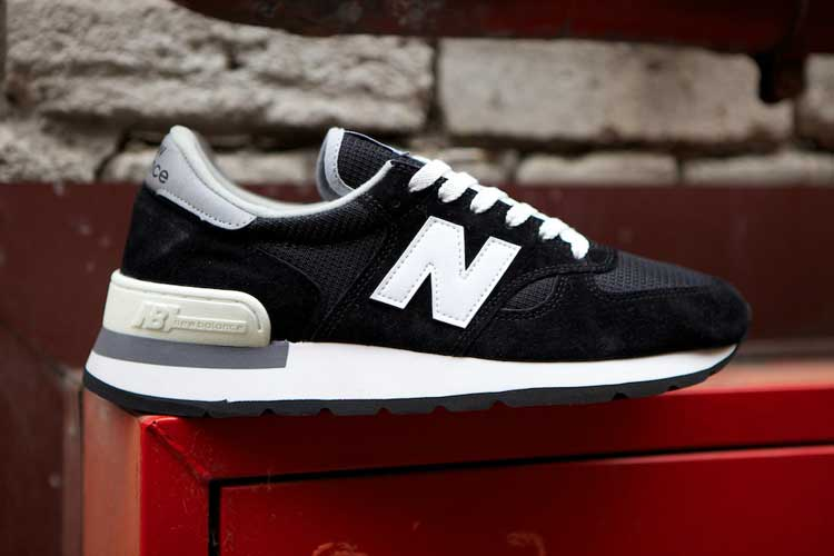 new-balance-990-made-in-usa-black-1.jpg
