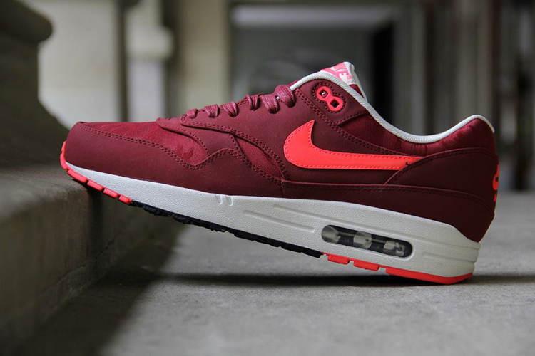 nike-air-max-1-premium-team-red-atomic-red-1.jpg