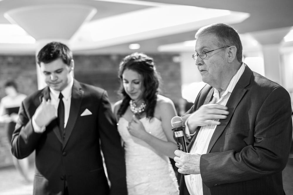 St-Louis-Wedding-Photographers-064.JPG