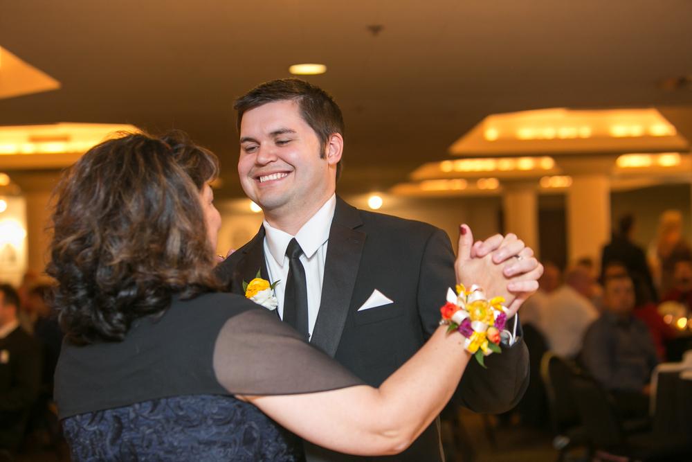 St-Louis-Wedding-Photographers-069.JPG