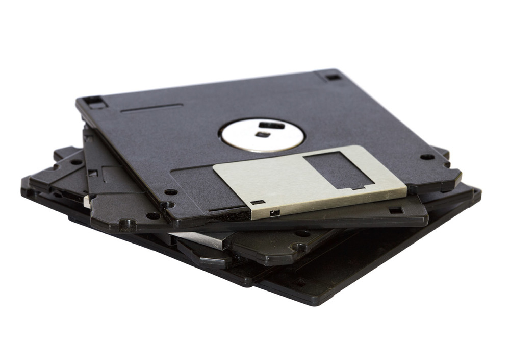 pile-of-floppy-disks.jpg