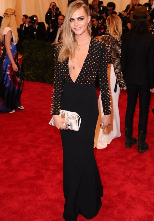cara-delevingne-met-ball-2013-costume-institute-gala-red-carpet-fashion-pictures-07-05-2013-jpg_105841.jpg