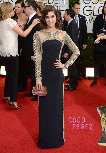 golden-globes-2014-lizzy-caplan-red-carpet__oPt.jpg