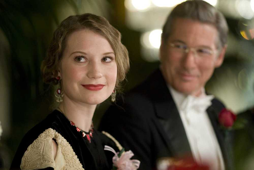 Mia Wasikowska and Richard Gere in  Amelia  (2009)