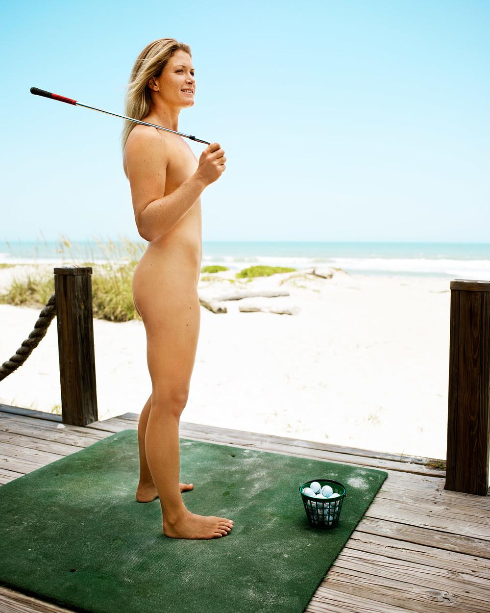 Suzann-Pettersen-LARGE-body-issue.jpg