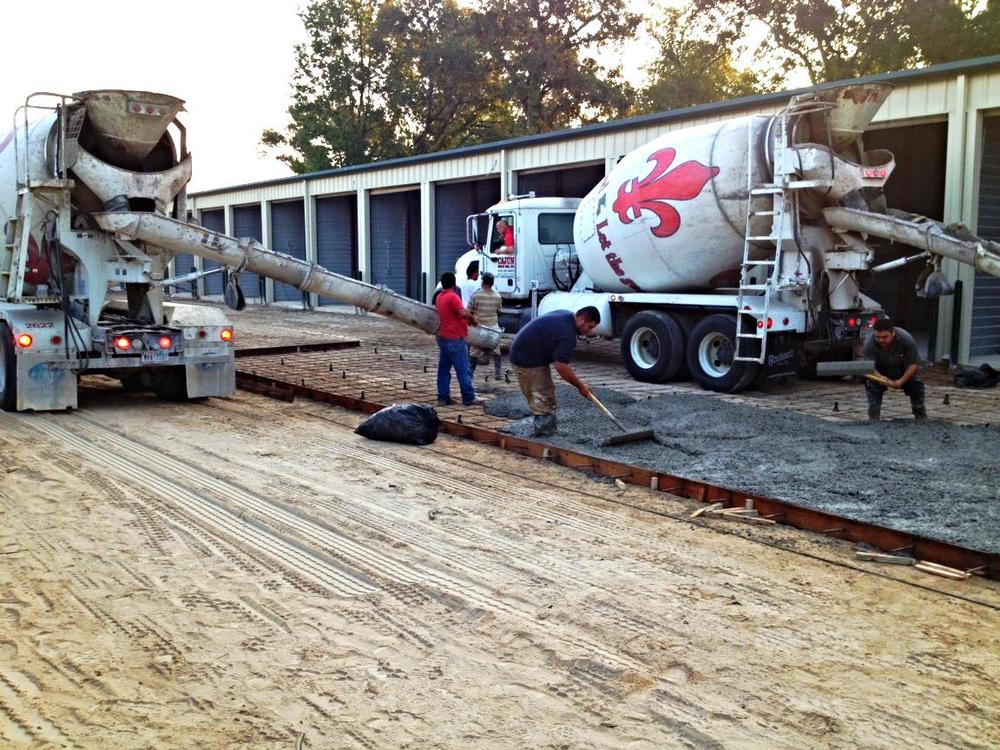 Cajun Ready Mix Crew Safely pouring paving for long-time customers, Longhorn Builders.