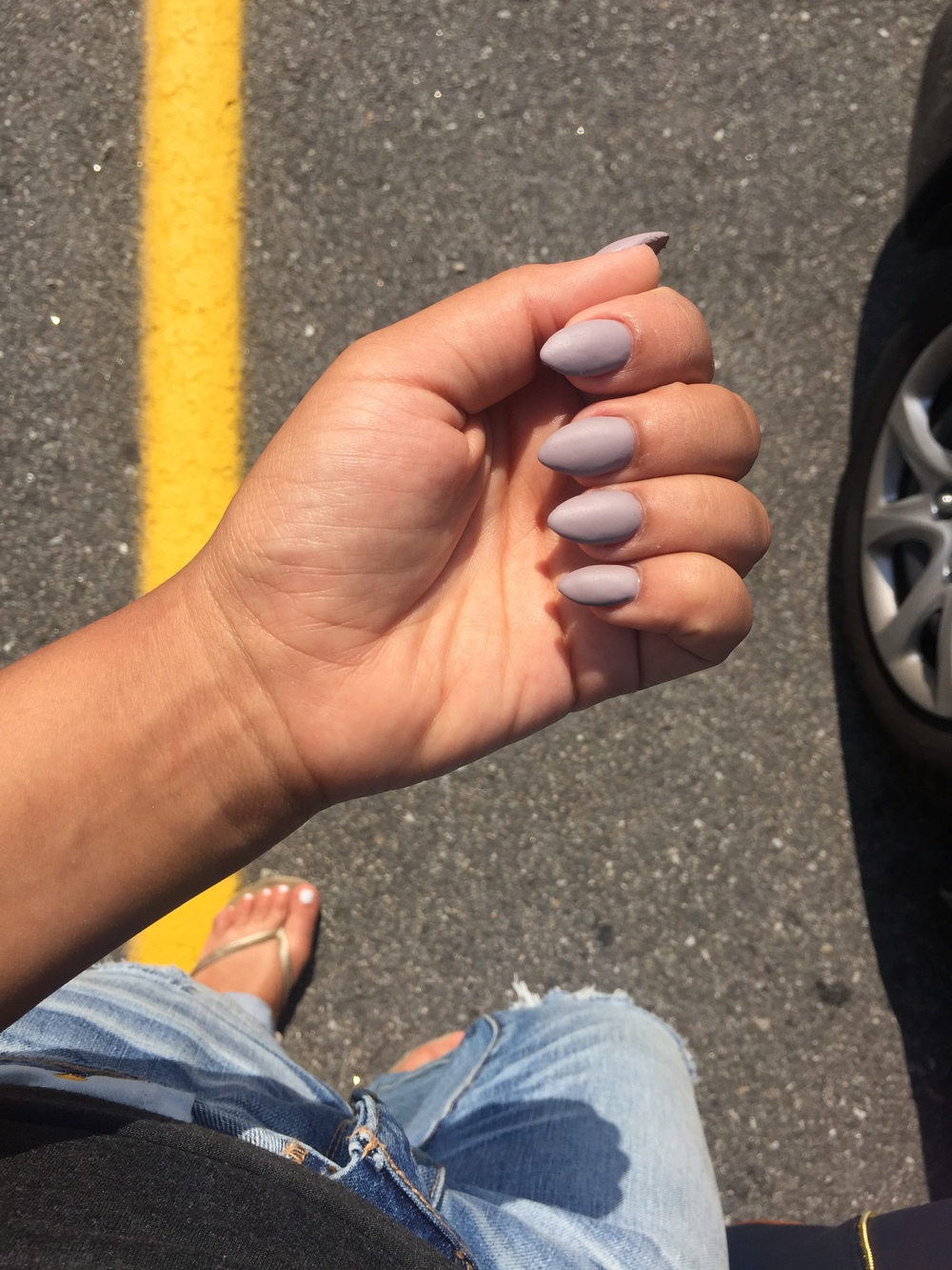 Start up dress code? 1. Shoes must not be sneakers. 2. Nails must be on fleek.