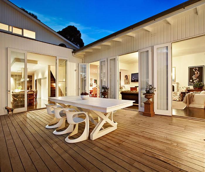 47 glen shian mt eliza white table deck alfresco dining white timber house