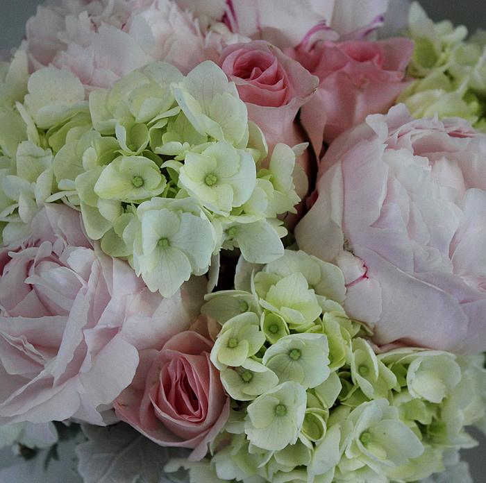 old pink roses white hydrangeas pink peonies