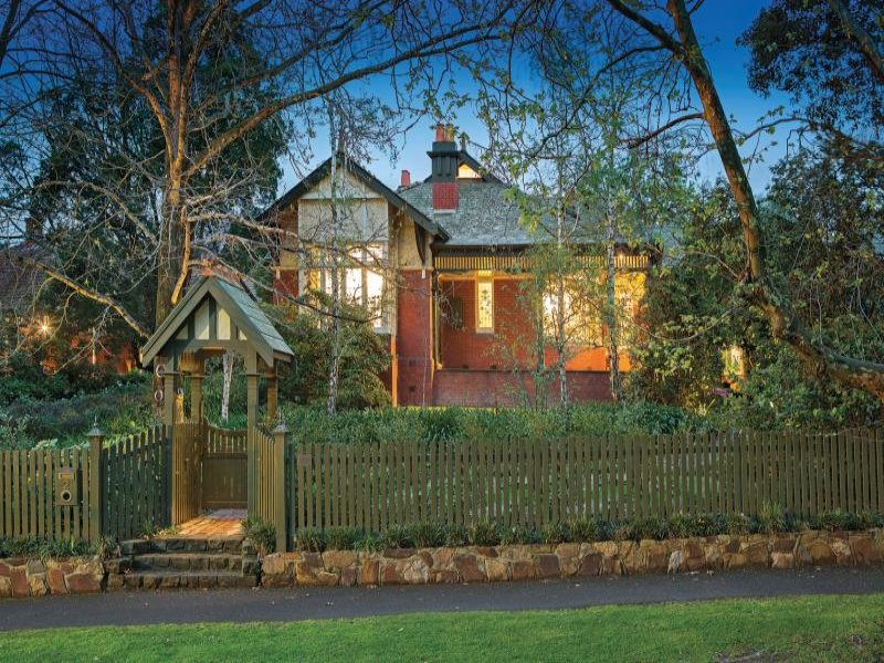 edwardian villa with lych gate canterbury melbourne
