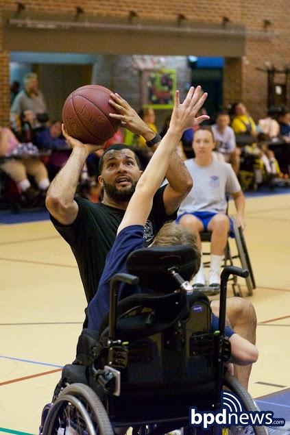 WheelchairBBall5.jpg