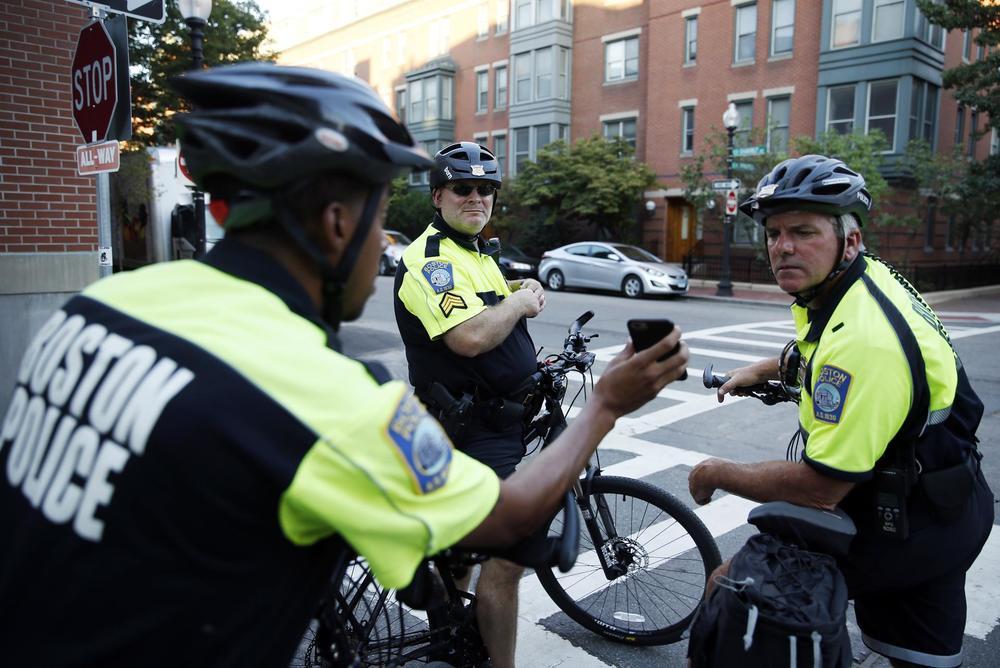 CityWide Bike Unit-Jessica Rinaldi (Globe).jpg