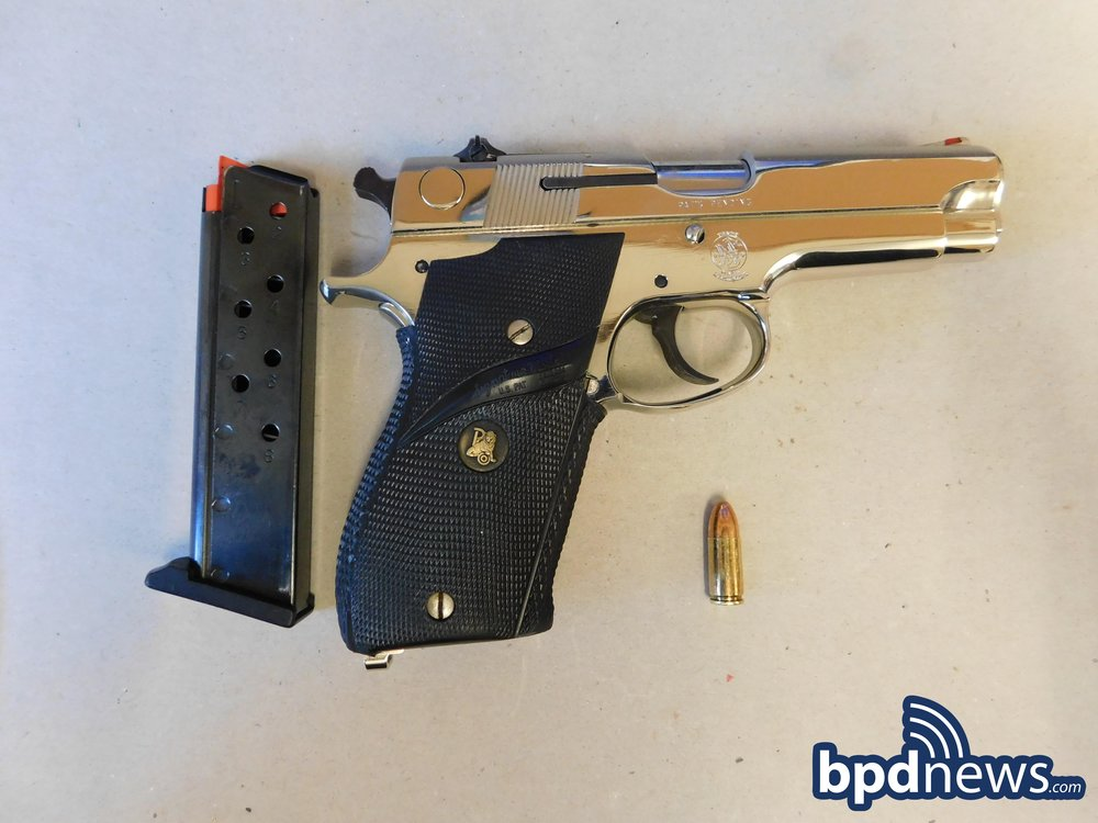 S&W9mm-ColumbiaRd&DevonSt.JPG