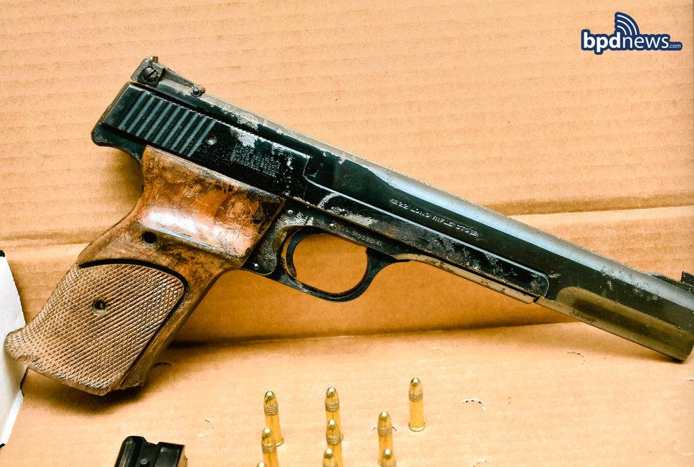 gun 1_2048px.jpg