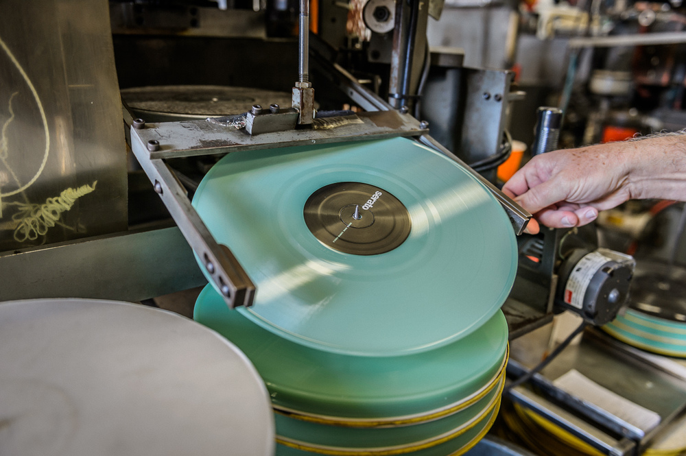 Serato Vinyl-8.jpg