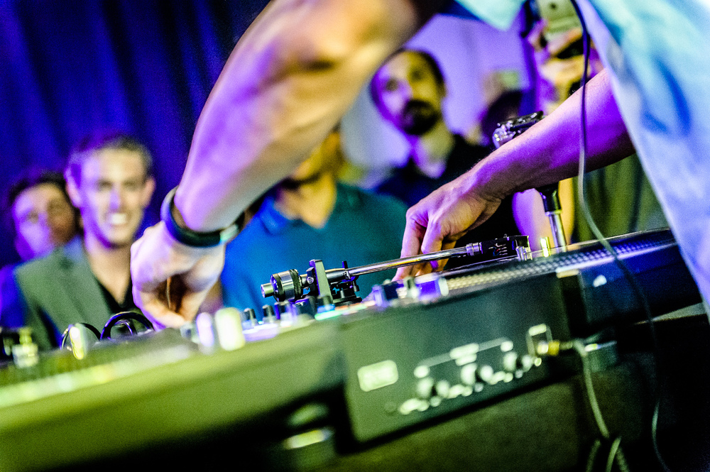 Mix Master Mike Live-10.jpg