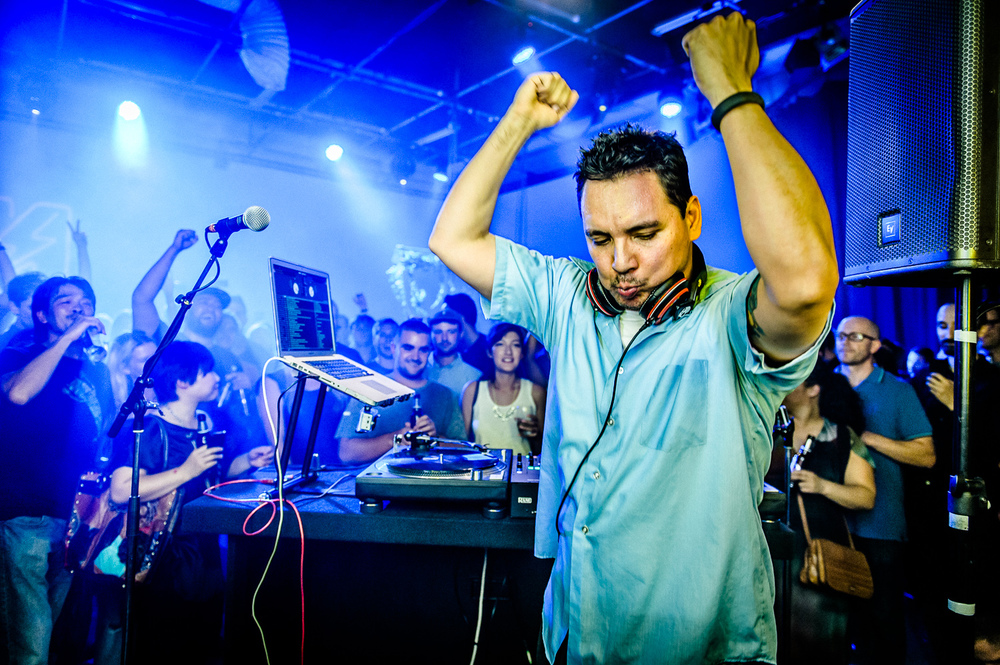 Mix Master Mike Live-12.jpg