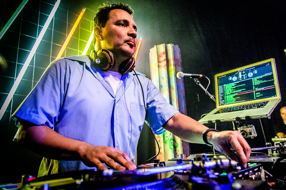 Mix Master Mike Live-14.jpg