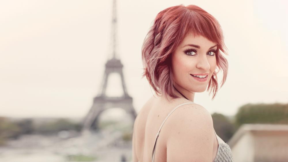 02-Charisse-Eiffel.png