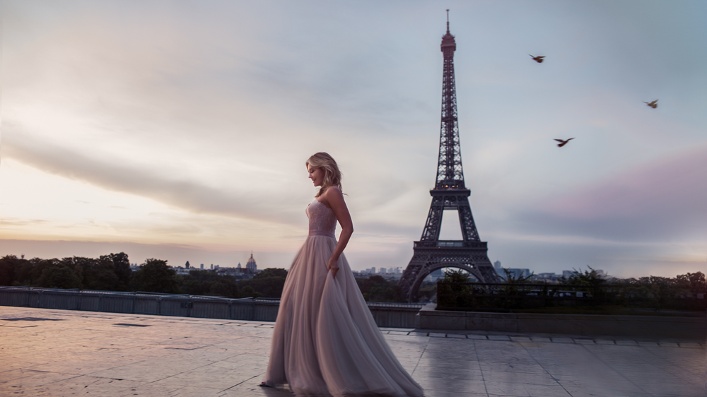 Charlotte-in-Paris-by-Emily-London-Portraits-001-Web-Version.png