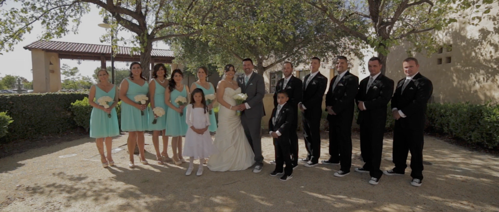 The entire Bridal Party. Contargulation everyone!
