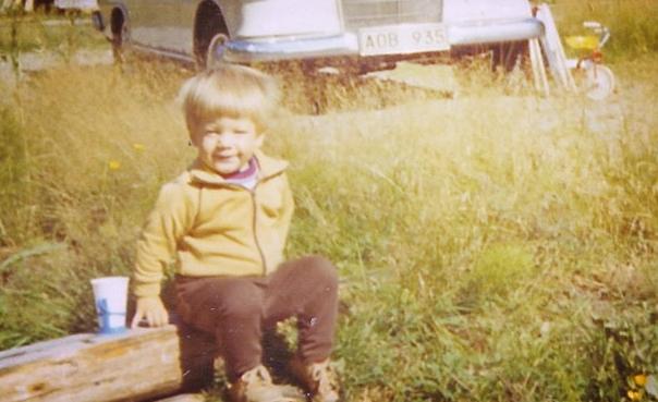 1976. Platsen är okänd.