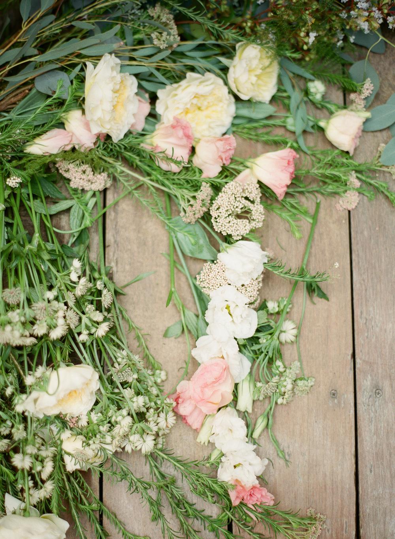 spring flowers hushed commotion lindsay rae design
