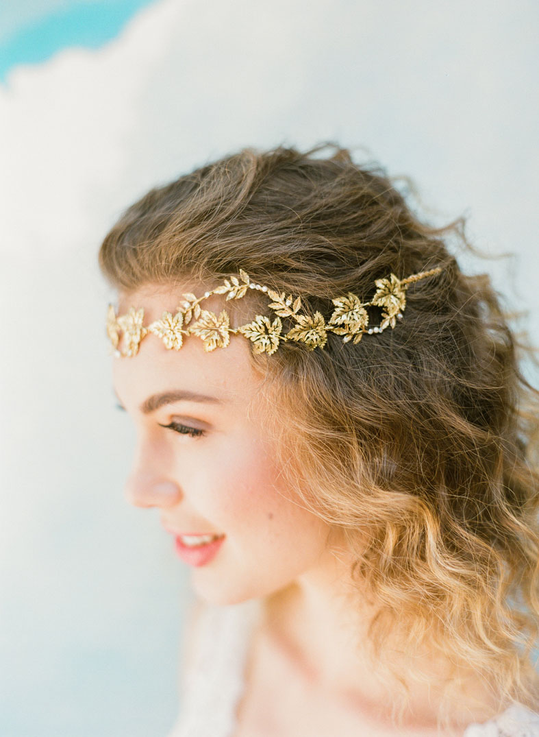 twisted gold vine leaf wedding halo pearl crystal hushed commotion side 1.jpg