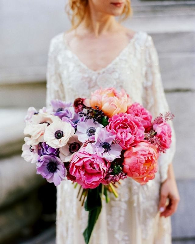 A bundle of beauty and meaningful sentiment, bouquets are the magic wand of wedding days! Flowers by @bloom.52🌸 . . . #HushedCommotion #HushedCommotionBride #dresswedding #PutABeltOnIt #weddingdressinspo #bridesofinstagram #bridetobride #bridetobe #bridedress #bride2be #bridesquad #weddingjewelrysets #weddingjewelry #weddingaccessories #bridalfashion #bridalwear #engaged #bridaldiaries #engagedlife #engagedaf #justengaged #wereengaged #modernbride #modernjewelry #modernearrings #whiteearring #simplebride #simplestyle #minimalbride #minimaljewelry