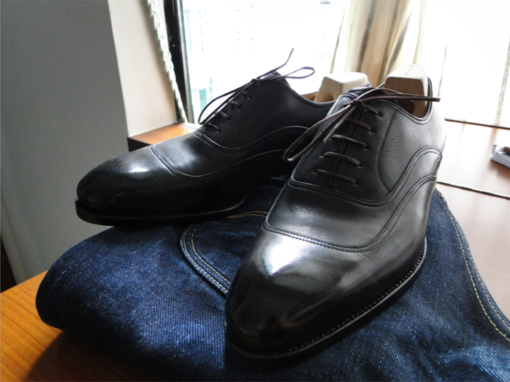 a-must-have-item-black-oxford-shoes-01.png