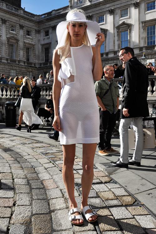 Street Style LFW SS14 'Girl In White' (Model and Artist Louisa) - Full Shot.jpg