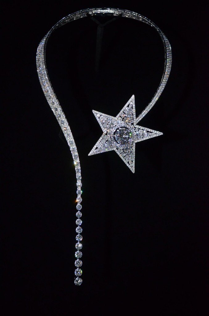 chanel-1932-comet-necklace-678x1024.jpg