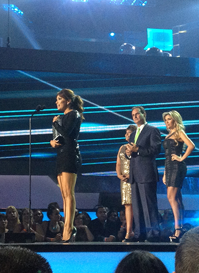 Premios+tu+mundo_eva+longoria_kika+rocha.jpg
