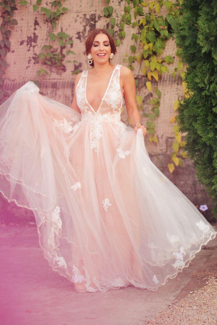 El vestuario de Casa Maribel Arango novias que maneja mi amiga Paola Arango.