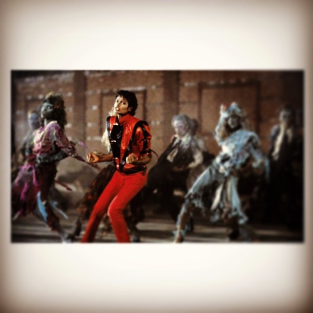 Make like #MJ and bring all your friends to our Thriller Party #momnpopup event! This weds 10/1, we'll have small bites and punch at 1377 Boylston in @thefenway. Tix are $12 at bit.ly/1u6ar4C #partytime