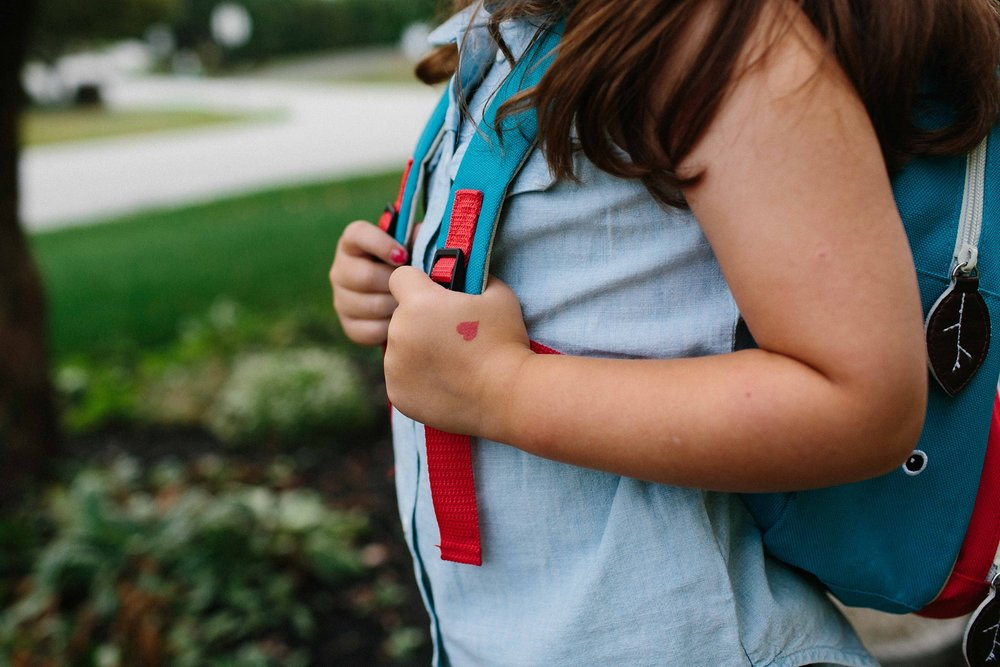 KellyLappPhotography_documentaryfamilyphotography_firstdayofschool_18.JPG